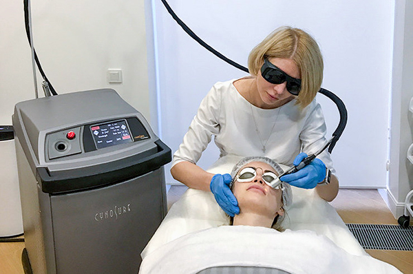 Омоложение лица с помощью лазерной биоревитализации